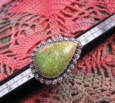 画像3: 全長約4cm超特大タイダイ風フォシルコーラル指輪リング12号シルバー925珊瑚化石 (3)