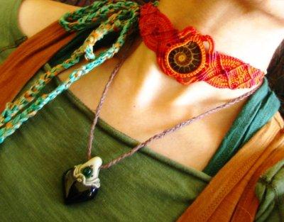 画像2: 癒しの天然石ユナカイトのナチュラルヒッピーマクラメ編みブレスレット