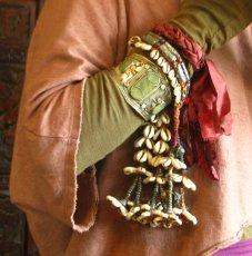 画像1: バンジャラ族ビンテージ子安貝(コウリー)ブレスレット*トライバル*エスニック*衣装 (1)