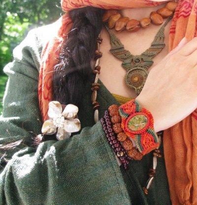 画像3: 癒しの天然石ユナカイトのナチュラルヒッピーマクラメ編みブレスレット