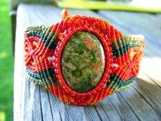 画像3: 癒しの天然石ユナカイトのナチュラルヒッピーマクラメ編みブレスレット (3)