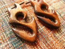 画像2: ナチュラルトライバル木彫りピアス*天然素材*オーガニック*エスニック (2)