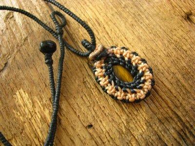 画像1: 吉運を招くタイガーアイのシンプルマクラメ編みネックレス*ボヘミアン*ヒッピー*パワーストーン