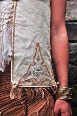 画像5: 日本より発送可能&送料無料♪地球に優しい手織り野蚕絹ローシルク・ケルト模様handmadeナチュラルビューティーベスト*フェアトレード*無農薬オーガニック (5)