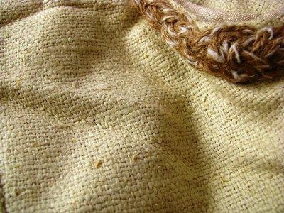 画像2: 日本より発送可能&送料無料♪地球に優しい手織り野蚕絹ローシルク・ケルト模様handmadeナチュラルビューティーベスト*フェアトレード*無農薬オーガニック