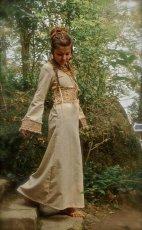 画像3: 残り1枚♪ 100%ナチュラル素材♪手紡ぎ・手織りローシルク手刺繍プリンセスドレス/ロングワンピース*フェアトレード*エコファッション*ビーガン (3)