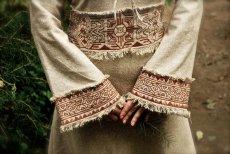 画像5: 残り1枚♪ 100%ナチュラル素材♪手紡ぎ・手織りローシルク手刺繍プリンセスドレス/ロングワンピース*フェアトレード*エコファッション*ビーガン (5)