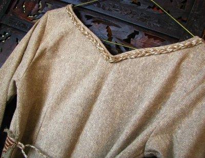 画像1: 残り1枚♪ 100%ナチュラル素材♪手紡ぎ・手織りローシルク手刺繍プリンセスドレス/ロングワンピース*フェアトレード*エコファッション*ビーガン