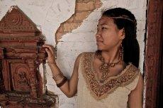 画像4: 地球に優しい手織りヘンプ麻素材のハンドメイド手刺繍ナチュラルトップ*エコロジー*ヒッピー*エスニック (4)