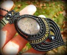 画像2: 浄化の石トルマリンインクォーツのマクラメ編みネックレス*水晶*トルマリンクォーツ (2)