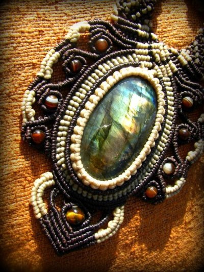 画像3: ログインで20%OFF♪ 1点物 全長4cmの大きな虹色 高品質ラブラドライト★マクラメ編みネックレス*天然石パワーストーン