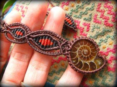 画像3: 大地との繋がりを強化するアンモナイト化石のシンプル手編みネックレス*グラウンディング*天然石マクラメ