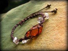 画像11: ハーキマーダイアモンド&バルト海産アンバー原石/琥珀のハンドメイド手編みブレスレット*マクラメ (11)