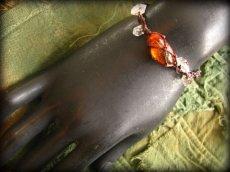 画像12: ハーキマーダイアモンド&バルト海産アンバー原石/琥珀のハンドメイド手編みブレスレット*マクラメ (12)