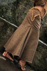 画像2: 身体に優しいあったか手織りウールのアステカ文様刺繍ハンドメイド スカート (2)