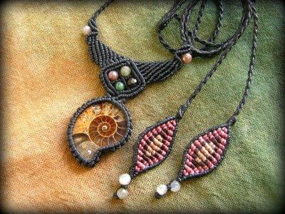 画像2: マダガスカル産アンモナイト化石&アゲートのシンプル手編みネックレス*グラウンディング*天然石マクラメ