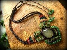 画像9: 癒しの天然石プレナイトのハンドメイド手編みネックレス/チョーカー*天然石*パワーストーン*マクラメ (9)