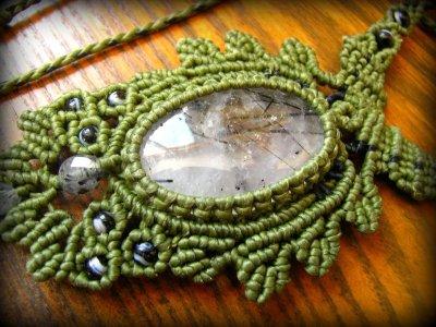 画像1: ネガティブな波動を除去するトルマリンインクォーツのマクラメ編みネックレス*水晶*ボヘミアン*ヒッピー