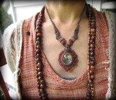 画像11: 虹入り♪1点物*大きなガーデンクォーツ&ラブラドライトのマクラメ編みネックレス*庭園水晶 (11)