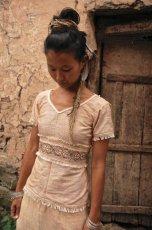 画像1: ナチュラル手織りフェアトレード カディコットン ハンドメイド 手刺繍サリートップ*エコファッション*ジプシー*民族衣装*ダンス衣装*ウェディング (1)