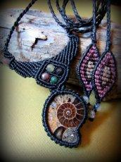 画像7: マダガスカル産アンモナイト化石&アゲートのシンプル手編みネックレス*グラウンディング*天然石マクラメ (7)