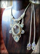 画像4: 1点物*大ぶりガーデンクォーツ&フローライトのデザインネックレス*庭園水晶*マクラメ*天然石 (4)