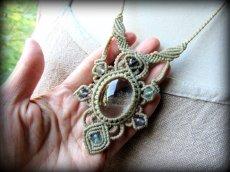 画像7: 1点物*大ぶりガーデンクォーツ&フローライトのデザインネックレス*庭園水晶*マクラメ*天然石 (7)