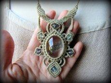画像8: 1点物*大ぶりガーデンクォーツ&フローライトのデザインネックレス*庭園水晶*マクラメ*天然石 (8)