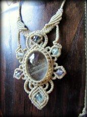 画像1: 1点物*大ぶりガーデンクォーツ&フローライトのデザインネックレス*庭園水晶*マクラメ*天然石 (1)
