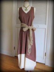 画像17: 再入荷★年中使える♪地球に優しい手紡ぎ・手織りローシルクのロングワンピース(brown&cream)*野蚕絹 (17)