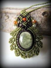 画像2: 癒しの天然石プレナイトのデザインネックレス*天然石*パワーストーン*マクラメ (2)