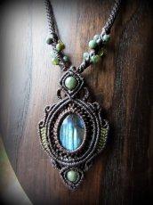 画像1: 青い閃光のラブラドライト(カナダ産)ネックレス*天然石ペンダント*マクラメアクセ*パワーストーン (1)