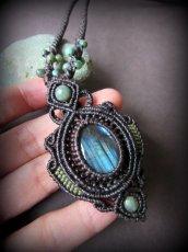 画像4: 青い閃光のラブラドライト(カナダ産)ネックレス*天然石ペンダント*マクラメアクセ*パワーストーン (4)