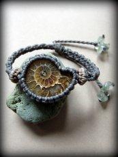 画像1: アンモナイト化石(マダガスカル産)ブレスレット*マクラメアクセサリー (1)