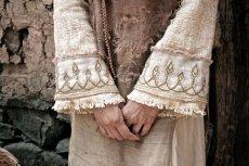 画像5: 手紡ぎ・手織りカディコットン ビッグフードショートジャケット 生成り ハンドメイド (5)