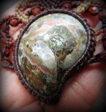 画像6: アンモナイト化石withレッドジャスパーのネックレス*マクラメアクセサリー*天然石パワーストーン (6)