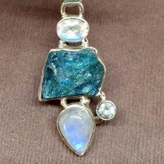 画像20: 虹入り高品質ネオンブルーアパタイト原石&宝石質ブルームーンストーン ペンダントトップ  (20)