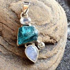 画像13: 虹入り高品質ネオンブルーアパタイト原石&宝石質ブルームーンストーン ペンダントトップ  (13)