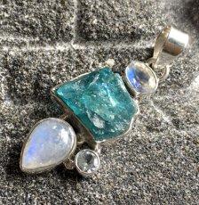 画像7: 虹入り高品質ネオンブルーアパタイト原石&宝石質ブルームーンストーン ペンダントトップ  (7)