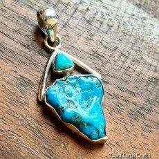画像2: 青空色♪ 高品質ターコイズ原石(スリーピングビューティー)ペンダントトップ*天然石パワーストーンアクセサリー  ヒーリングジュエリー  (2)