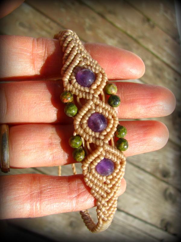 画像1: きらきらアメジスト&ユナカイトのマクラメ編みブレスレット*アメシスト*紫水晶*天然石ジュエリー*パワーストーン (1)