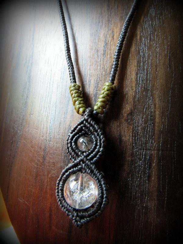画像1: トルマリンインクォーツのペンダント/ネックレス*水晶*パワーストーン天然石マクラメ (1)