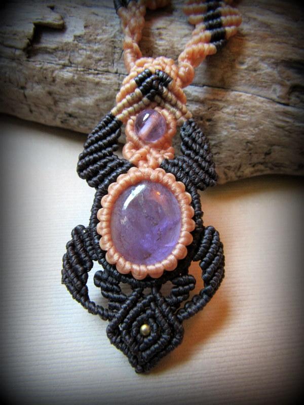 画像1: ログインで15%OFF♪ アメジストのマクラメ編みネックレス*紫水晶*ハンドメイド*アメシスト*天然石 (1)