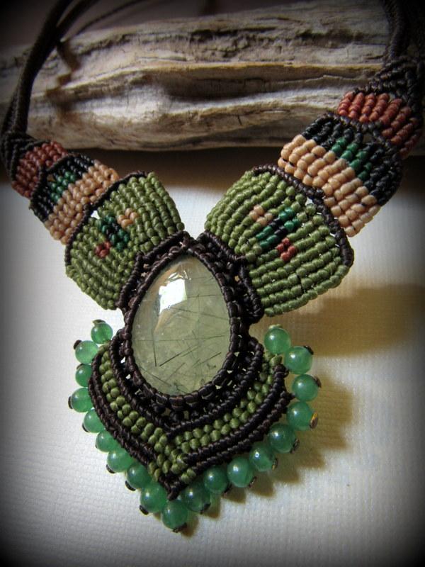 画像1: 癒しの天然石プレナイトのハンドメイド手編みネックレス/チョーカー*天然石*パワーストーン*マクラメ (1)
