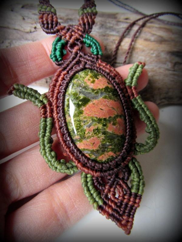 画像1: 癒しの天然石ユナカイトのデザインネックレス*マクラメ*パワーストーン*ヒッピー*ボヘミアン (1)