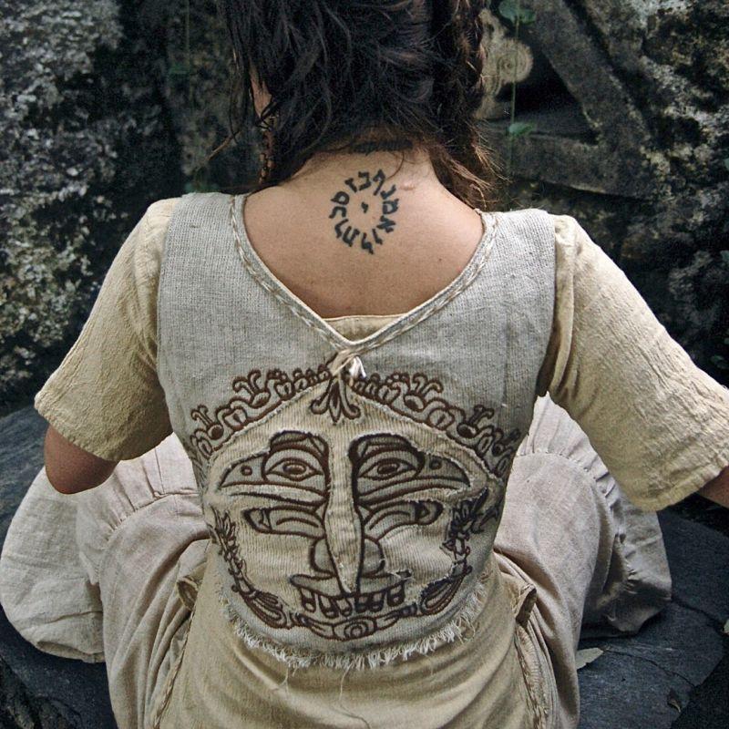 画像1: マヤ紋様手刺繍が個性的!!地球に優しい手織りリネン素材ベスト*トライバル*エスニック*無農薬オーガニック (1)