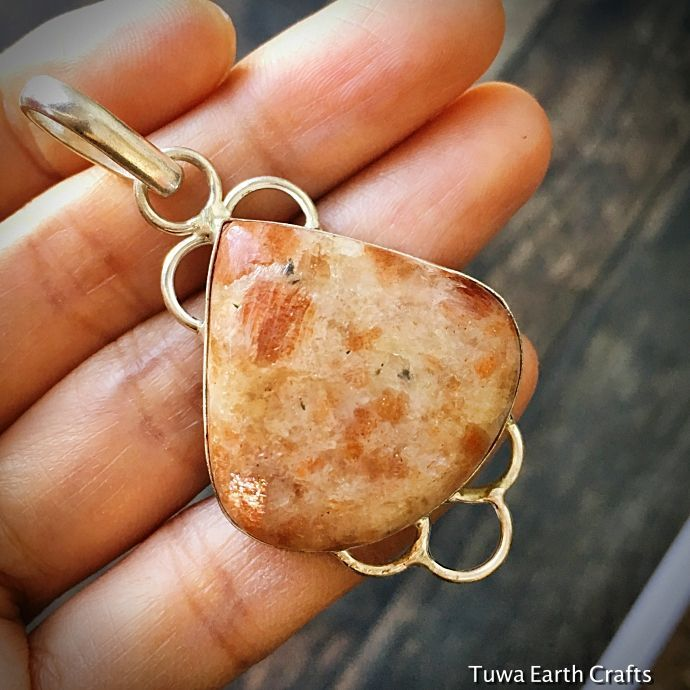 画像1: 太陽の石サンストーン きらきらシラー入り ペンダントトップ★パワーストーン天然石アクセサリー (1)